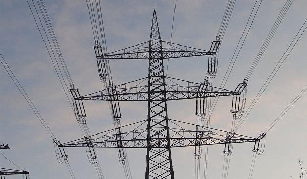 Ще поскъпне ли токът за стопанските потребители?