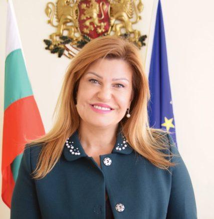 Ирена Соколова ще даде брифинг по случая в с. Дивотино