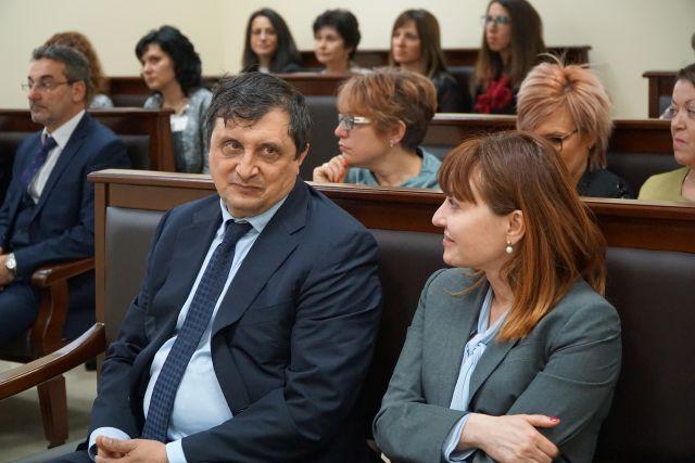 848 дела е разгледал Административен съд Перник, увеличават се исковете срещу актове на общински съвети