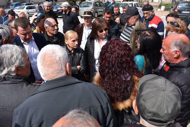 Нинова в Дивотино: Цветанов плюс апартамент, хората минус земите им