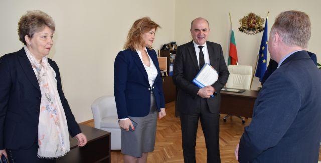 Бисер Петков поздрави Областна администрация за резултатите по намаляването на безработицата