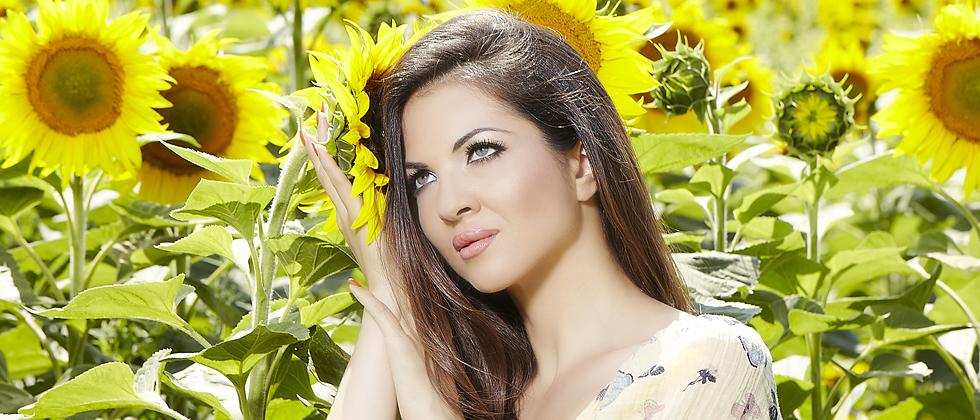 Великолепната Райна ще пее на събора в Дивотино