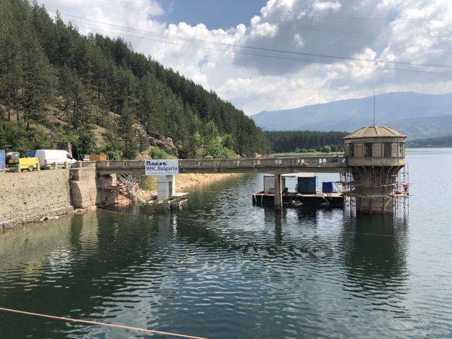 Всички водни обекти на територията на област Перник са под наблюдение