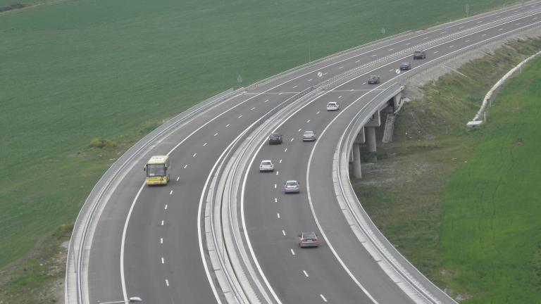 Регионалното министерство предлага по – дълги гаранции за пътищата