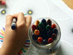 crayons-1445053_1280