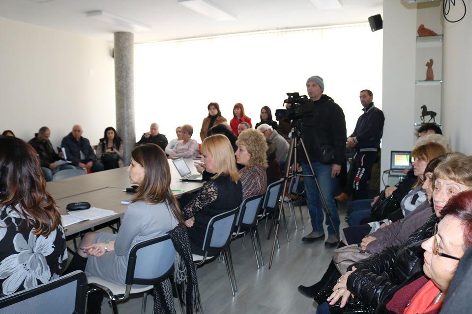 """Дълговете на Перник се оказаха повече, а ремонта на """"Софийско шосе"""" е бил без финансиране"""