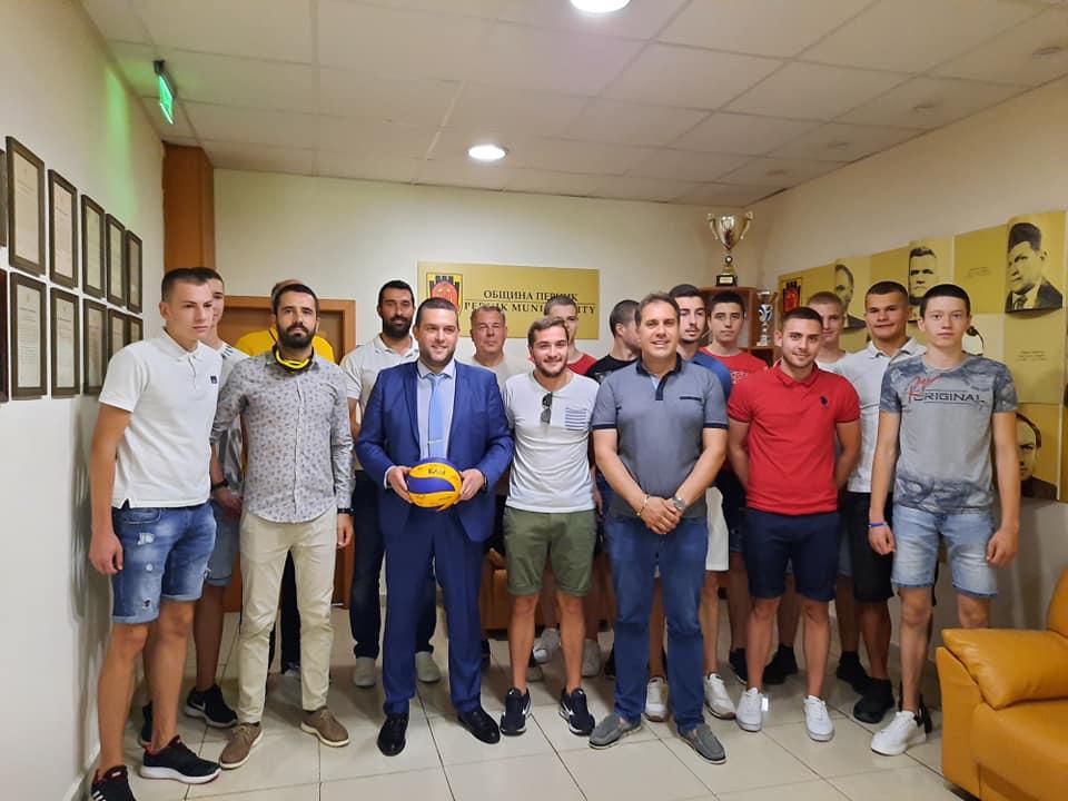 """Шесто място по волейбол за юношите на """"Миньор"""""""