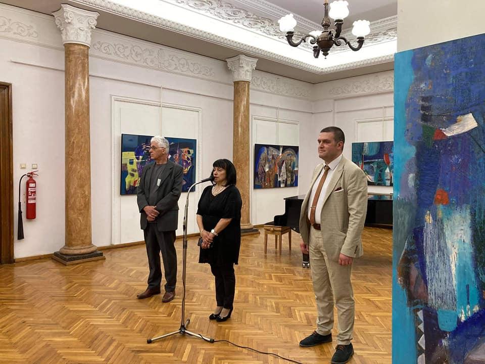 Изложба на Валентин Топалов по случай 24 май